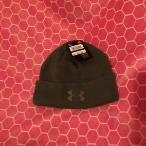 Underarmour stocking hat, NWT military green